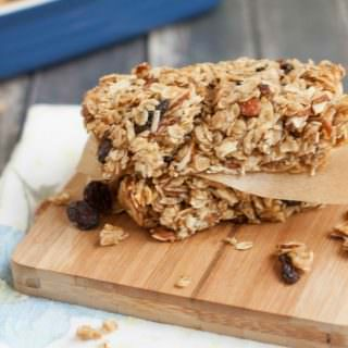 Family Friendly Homemade Granola Bars