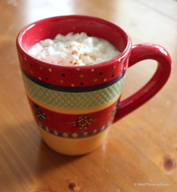 Homemade Vanilla Cinnamon Coffee Creamer | recipe from MeaPlanningMagic.com