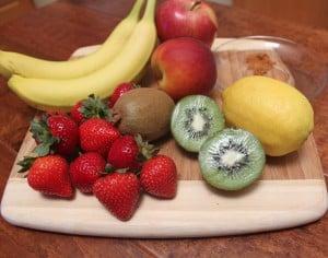 Ingredients to make fruity kiwi salsa