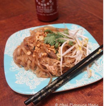 Easy Pad Thai, also kid-friendly! from @mealplanmom