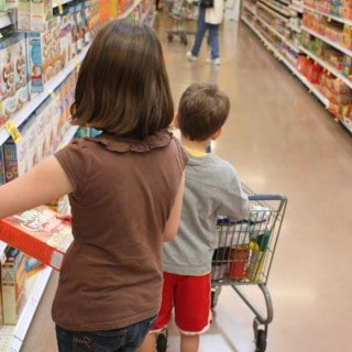 10 Tips For Grocery Shopping With Kids—Without Going Crazy!