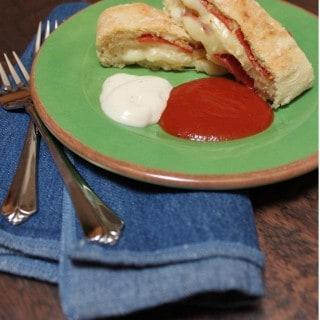 Chef Boyardee Pizza Roll Bread {H-E-B Back To School Meal Maker Challenge #4}