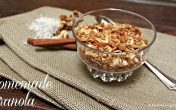 Simple Homemade Granola Recipe | MealPlanningMagic.com