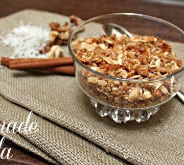 Simple Homemade Granola Recipe | MealPlanningMagic.com