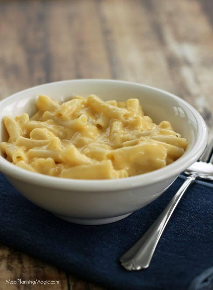 Homemade Stovetop Mac and Cheese - freezer friendly too! | Recipe at MealPlanningMagic.com