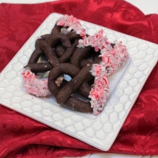 Cocoa Peppermint Prtezel Cookies | 12 Weeks Christmas Treats | MealPlanningMagic.com
