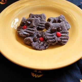 Easy Chocolate Black Cat Cookies