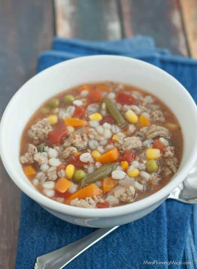 This Simple Slowcooker Turkey Vegetable Barley Soup is a cinch to throw together and better yet, it cooks all day in the slowcooker so dinner's ready at the end of a busy day! | Recipe at MealPlanningMagic.com