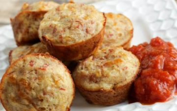 Just a few ingredients is all it takes to make these Pepperoni Pizza Bites. They are perfect as a game day appetizer, a snack or even for lunch! - MealPlanningMagic.com