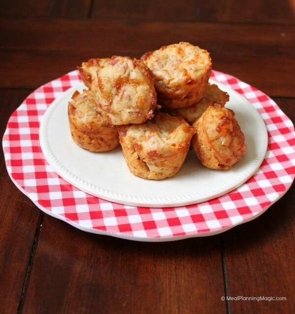 Whole Wheat Pepperoni Pizza Bites | MealPlanningMagic.com