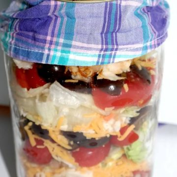 Buffalo Chicken Salad in a Jar | Recipe at MealPlanningMagic.com