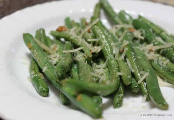 Simple Garlic Green Beans With Parmesan | #EatAtoZChallenge | MealPlanningMagic.com