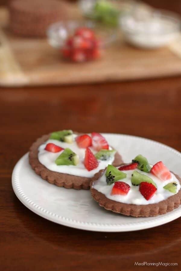mini-chocolate-cookie-pizza-nowords