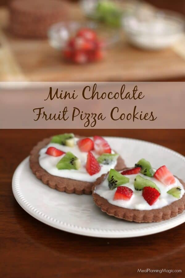 Mini Chocolate Fruit Pizza Cookies are fun and tasty! | Recipe at MealPlanningMagic.com