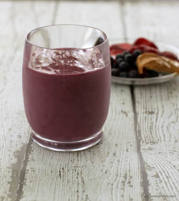 Peanut Butter and Jelly Smoothie (all natural) | Recipe at MealPlanningMagic.com
