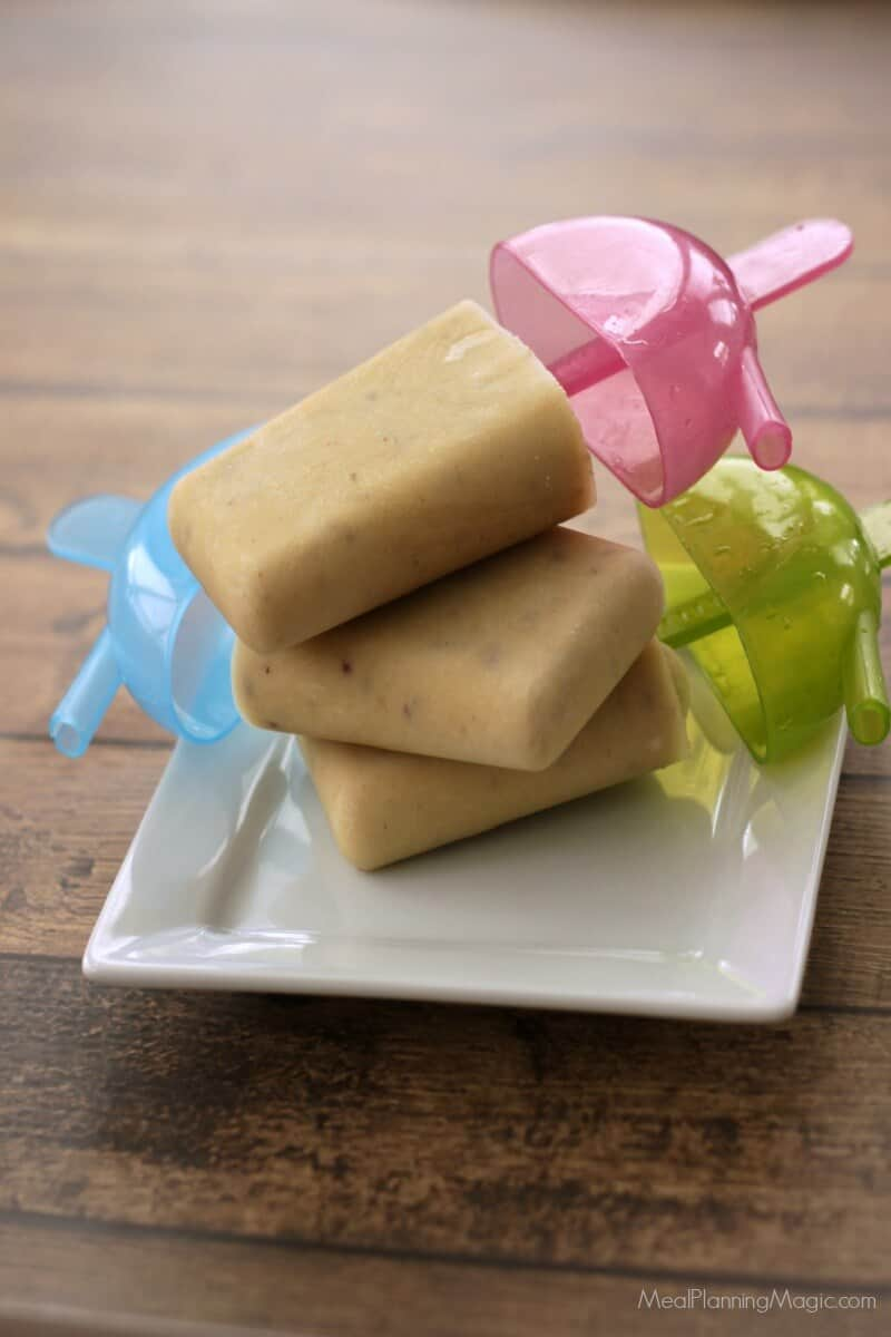 Apple Peanut Butter Cinnamon Popsicles - Just like the after school snack you used to have!   Recipe at MealPlanningMagic.com