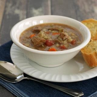 Slowcooker Italian Beef and Barley Vegetable Soup (Ad)