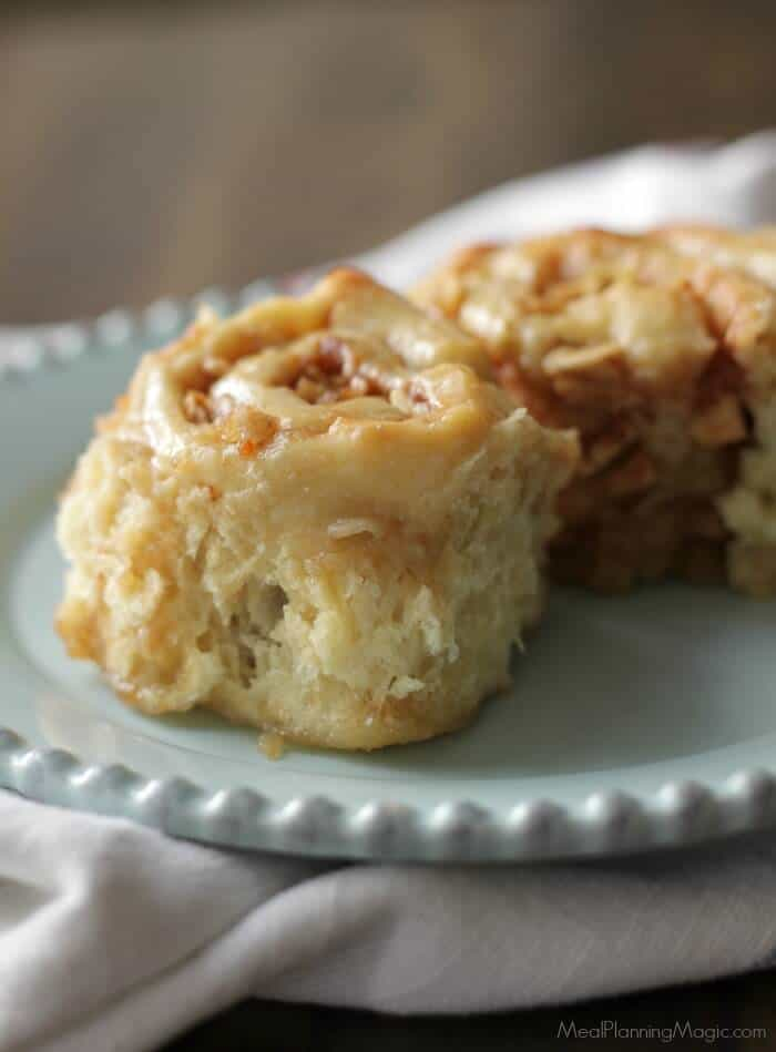 overnight-apple-cinnamon-rolls-single-side-view