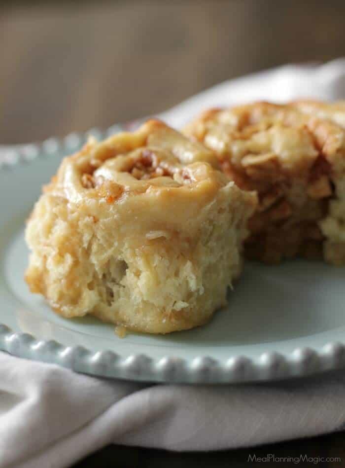 overnight-apple-cinnamon-rolls-single-side-view