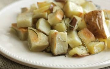 Roasted Rosemary Potatoes are SO easy and with my make-ahead tip, you can make them even on busy weeknights! Get the recipe at MealPlanningMagic.com