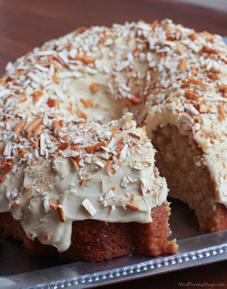 Peanut Butter Pretzel Cake-whole cake-side-Mealplanningmagic