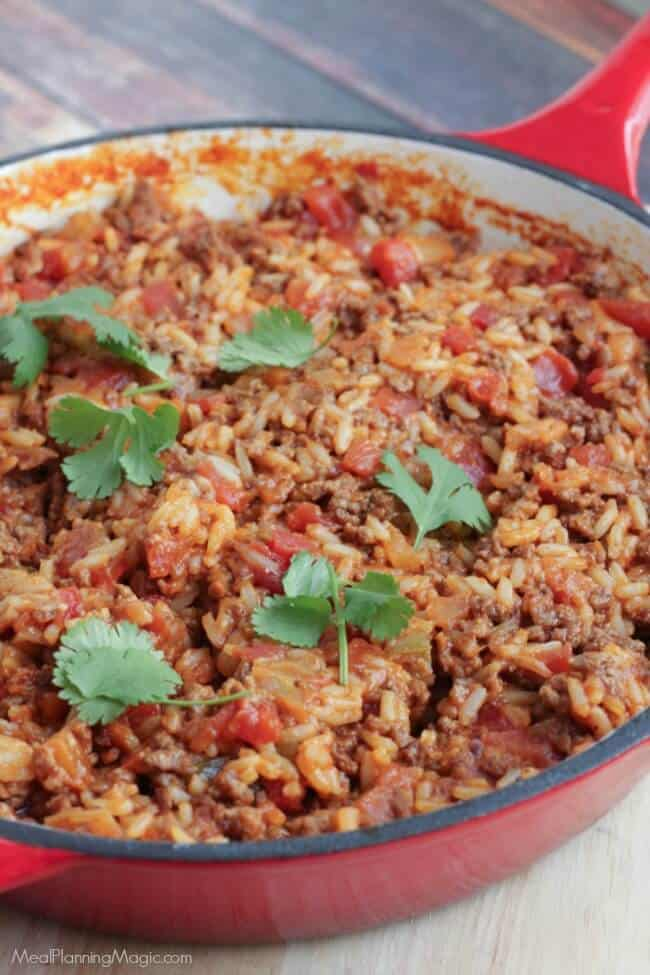 30 minutes is all it takes for this easy, filling Spanish Rice Skillet Dinner. Find the recipe at MealPlanningMagic.com