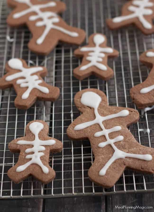 skeleton-chocolate-sugar-cookies-cookie-rack-resized