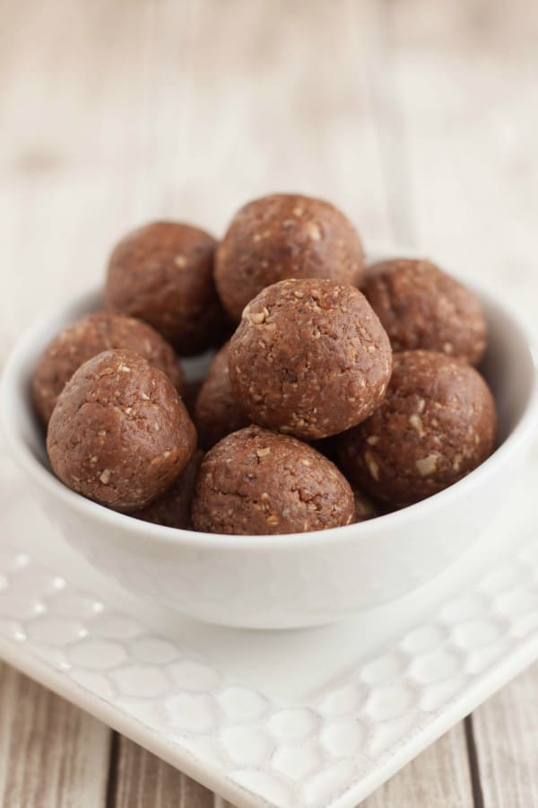 close up image of Peanut Butter Chocolate Energy Bites